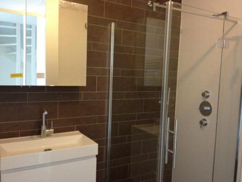 installatie badkamer en wc en kamer vloer